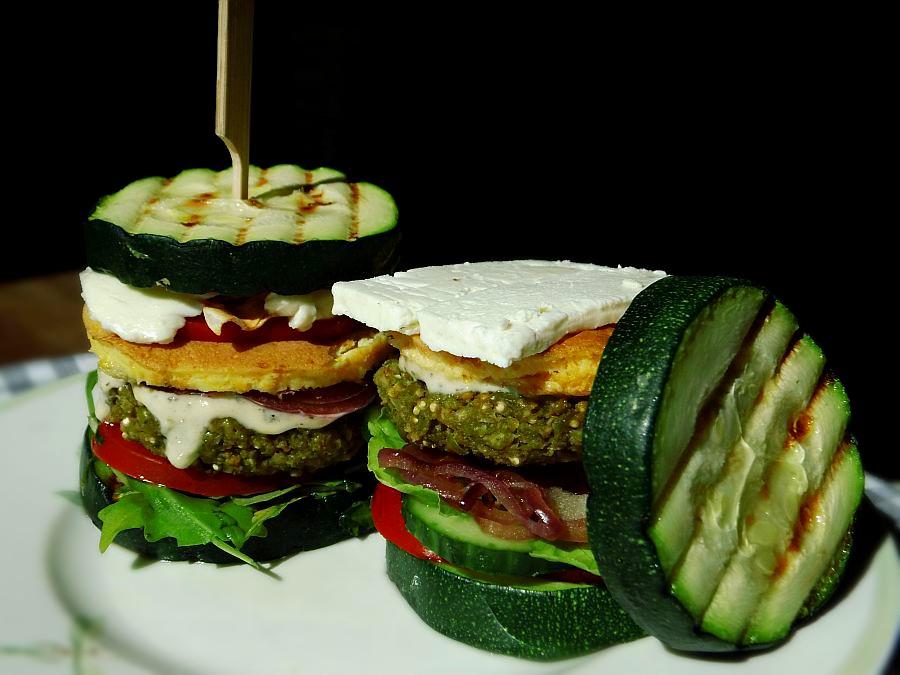Zucchini-Quinoa-Burger
