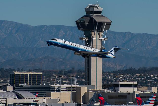 United Express (SkyWest) Bombardier CRJ-700