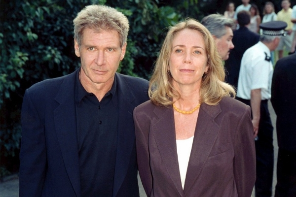 Melissa Mathison & Harrison Ford - Photo 1