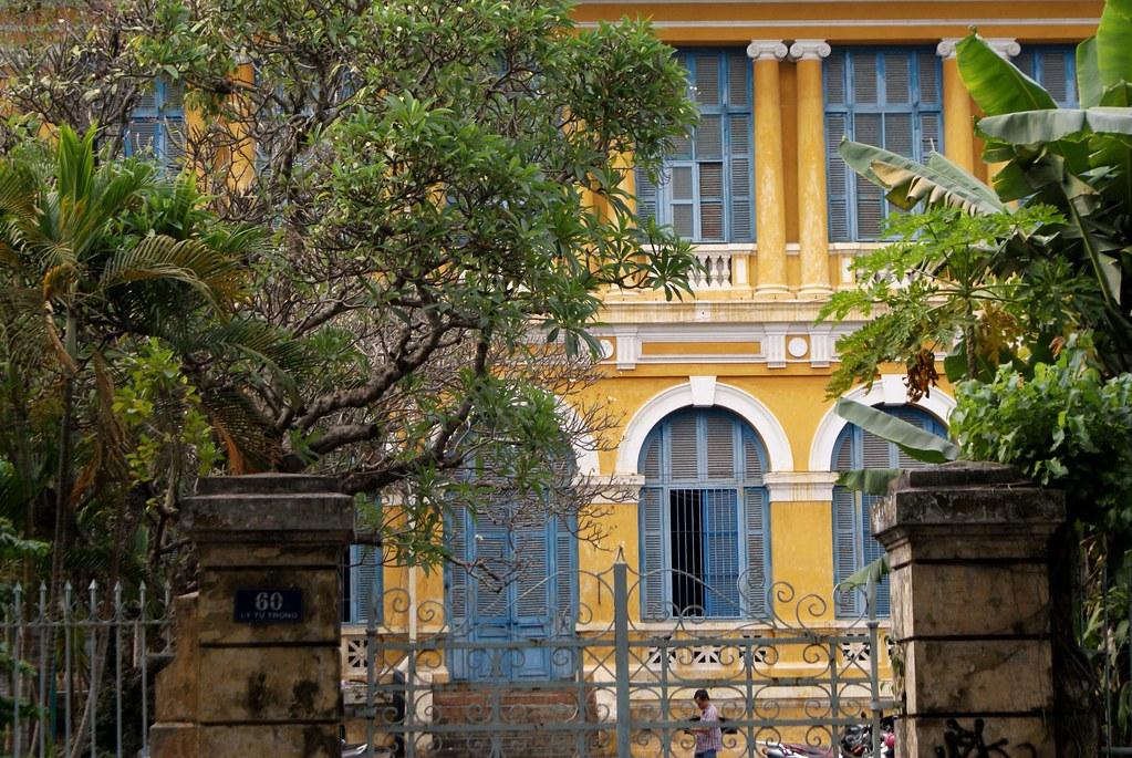 Batiment de l'ancienne Université de Saigon au Vietnam.