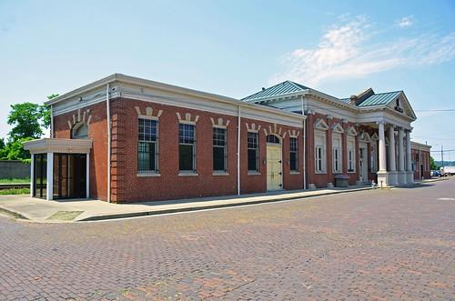depot station ohio railroad 1907 lawrencecounty edwardgfrye norfolkwesternrailway nationalregisterofhistoricplaces irontonohio neoclassicalstyle