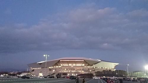 今にも飛びそうな吹田スタジアム