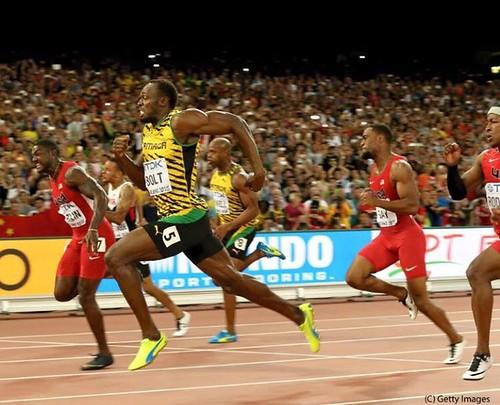 Usain Bolt vence a Gatling Beijing 2015