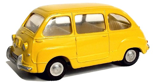 Spot On Fiat 600 Multipla