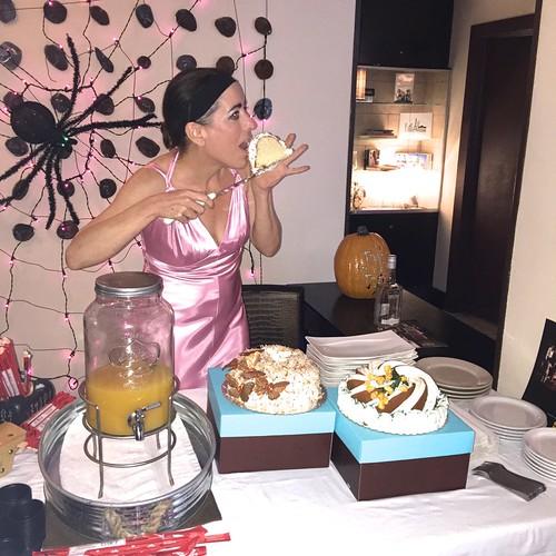 Itsabundt Bundt Cake Miami