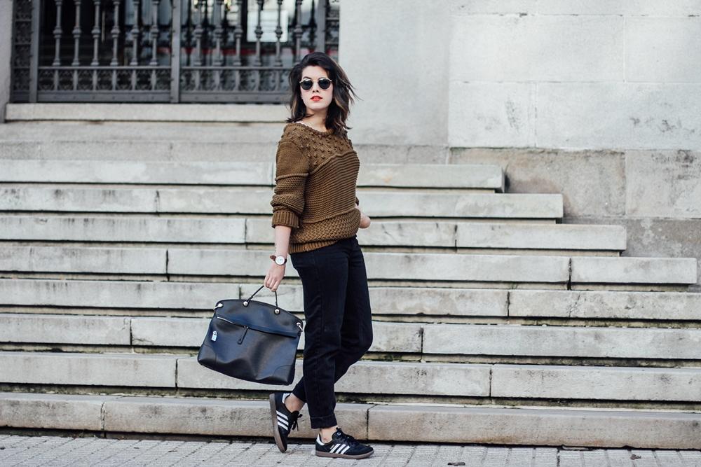 look con mom jeans y adidas samba myblueberrynightsblog
