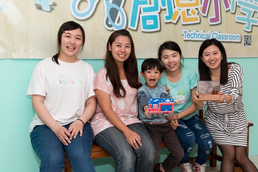 1041103-台中豐原區-Sylvia創意小學堂-成品與學員合照4