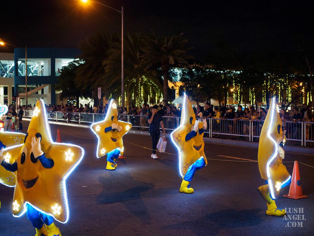 sm-mall-of-asia-sanrio-parade