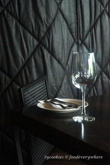 14.Black Mrket Restauran Kampung Pandan