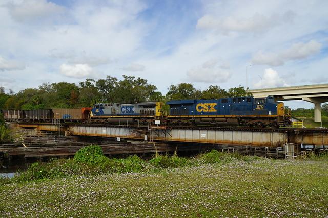 CSX K977 AT INDIANTOWN, FL
