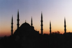 2003/01/01 - 00:00 - The sunset silhouette of the Blue Mosque with its six minarets in Istanbul, Turkey, taken from a nearby rooftop.  Historic Areas of Istanbul page at the UNESCO World Heritage website