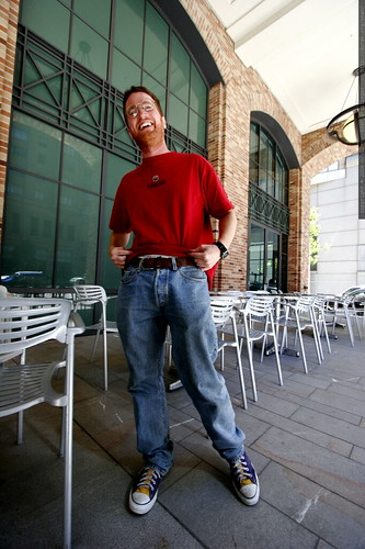 mark backman modeling in the cnet courtyard    MG 7028