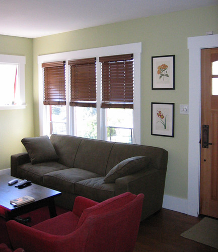 Paint Ideas: Accenting a Green Living Room - Cool Paint ...