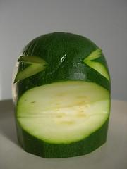 flower(0.0), honeydew(0.0), plant(0.0), key lime(0.0), produce(0.0), muskmelon(0.0), melon(0.0), vegetable(1.0), green(1.0), fruit(1.0), food(1.0), gourd(1.0),
