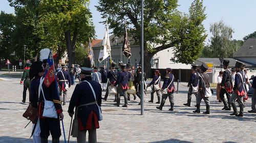 Abmarsch der Preussen vor dem Gedenkturm