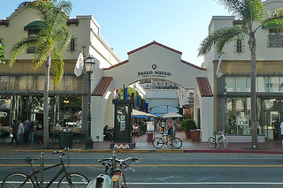 Santa Barbara - State St Paso Nuevo