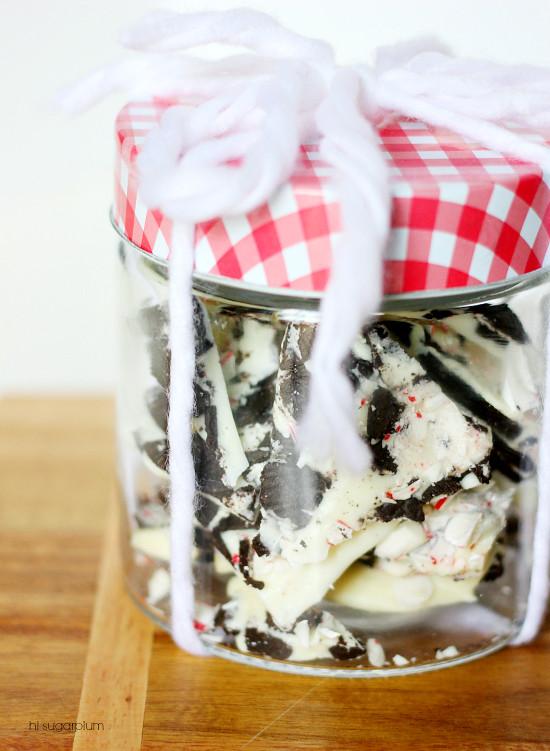 Hi Sugarplum | Oreo Cookie Bark Recipe