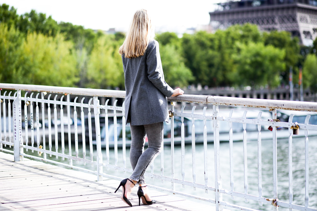 Caro Pardon my Obsession x Erin Adamson, Street style Paris