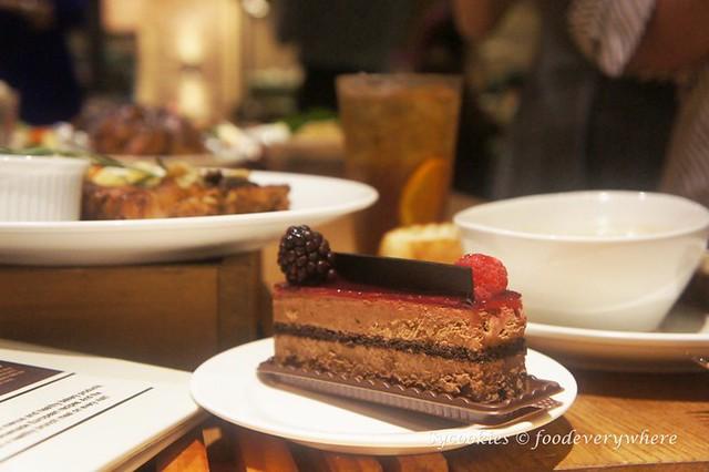 10.Tous les Jours Boulangerie & Bistro Christmas 2015