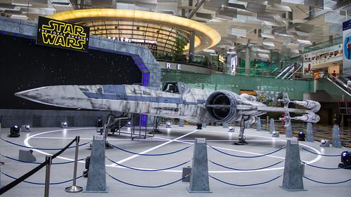 Changi_Star_Wars_The_Force_Awakens_01