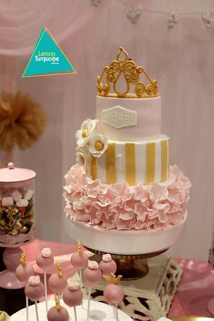 Cake by Le point macaron Ennasr 2