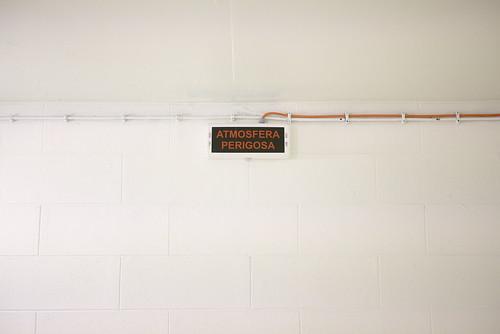 Atmosfera perigosa #sign #indoor #t3mujinpack