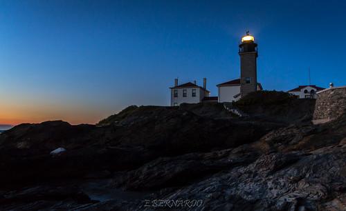Beavertail Lighthouse by Eddy via I {heart{ Rhody