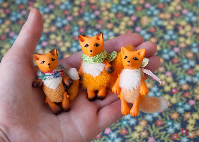 3 tiny foxes