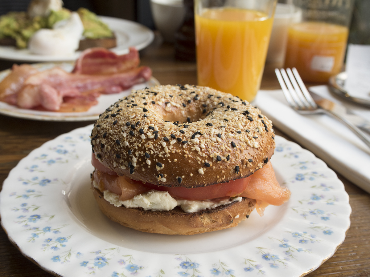 smoked-salmon-bagel-brunch-hoxton-hotel