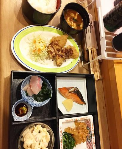 きょーのお昼ご飯は、お寿司屋さんの日替わりランチ!¥650.  事務所戻るよー #japan #Japanese #Japanesefood #lunch