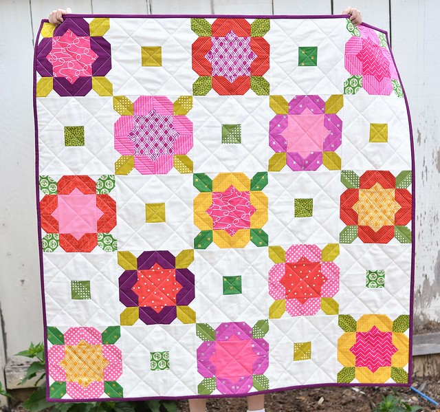 Kitchen Table Quilting flower garden quilt