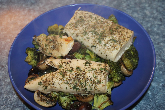 Mahi Mahi with Broccoli and Mushrooms