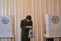 Referendum on constitutional amendments in Armenia: Voting