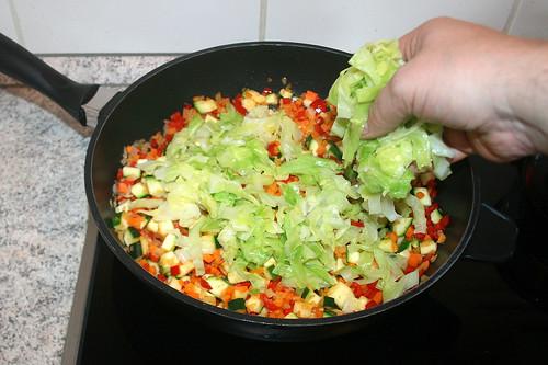 44 - Spitzkohl dazu geben / Add cabbage