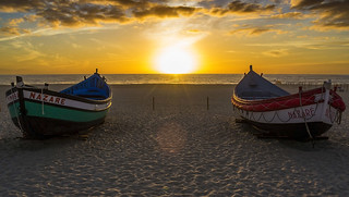 Praia da Nazaré képe. sunset sol beach portugal atardecer boat barca dusk puesta region leiria nazare oeste
