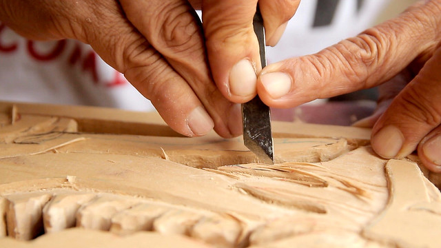 The Hip-Pop SIGNBOARD CARVER • Craftsman Shows How to Make • George Town • MALAYSIA-4