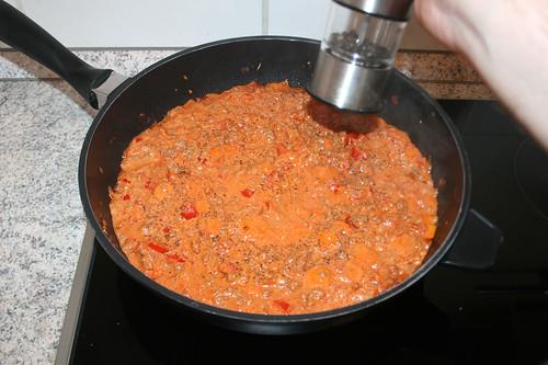 37 - Sauce mit Gewürzen abschmecken / Taste sauce