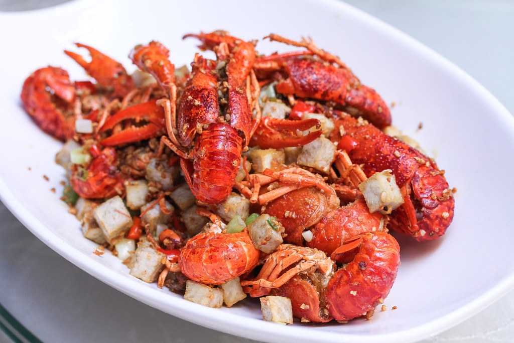 Si Chuan Dou Hua Restaurant's Stir-Fried Fresh Baby Lobster with Diced Yam in Garlic and Chilli Sauce (蒜香芋粒小龙虾)