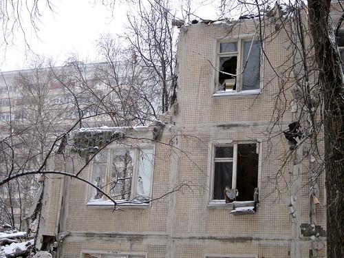 В Москве разобрали еще три ветхие пятиэтажки