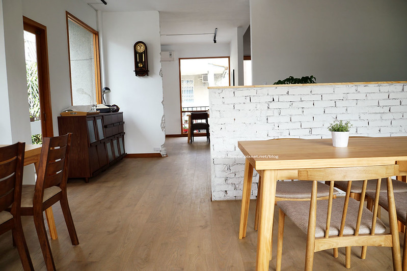 23804240126 46e41356ed c - 【台中西區】小野食堂 - 精誠街老屋改造明亮舒適好拍空間.自家製唐揚炸雞定食和牛肉咖哩不錯.P+HOUSE對面