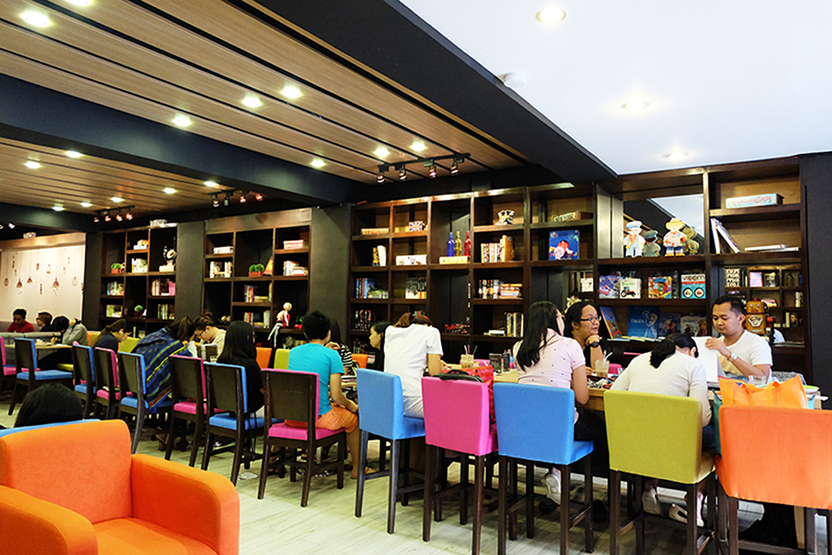 Trice Nagusara Book & Borders Cafe