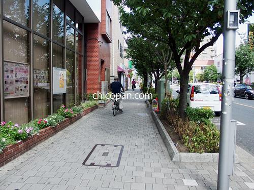 桜新町駅の北口歩道写真画像