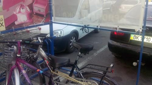 Велосипеди викрадали вантажники
