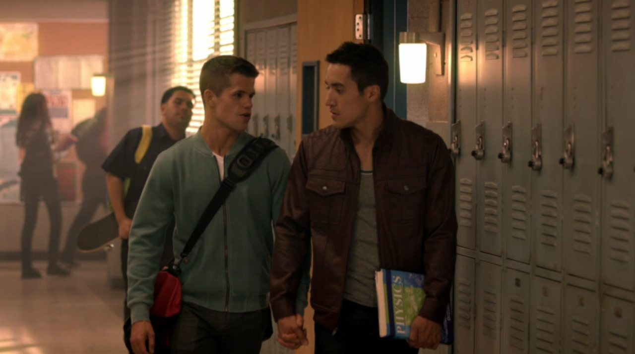 Keahu-Kahuanui-and-Charlie-Carver-in-Teen-Wolf-Episode-3.12-02