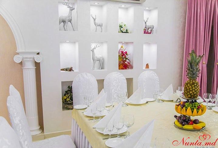 "Ресторан ""Colina Pinului"" > Фото из галереи `Colina Pinului`"