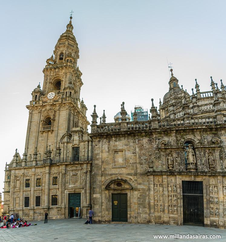Torre del Reloj y la Puerta Santa desde a Quintana