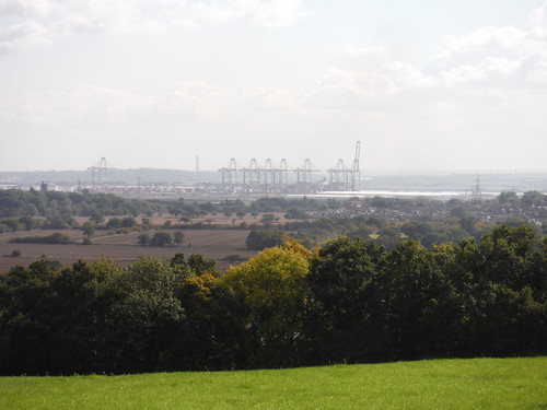 London Gateway, deep water container port