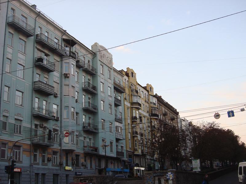 Antonovycha Street, Kyiv