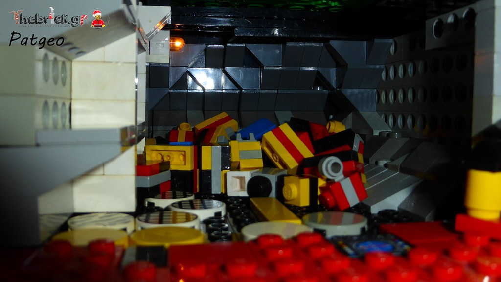 """[BuildtheBrick #2]: """"Santa's Workshop"""" 23268061313_565bd5d3dd_b"""