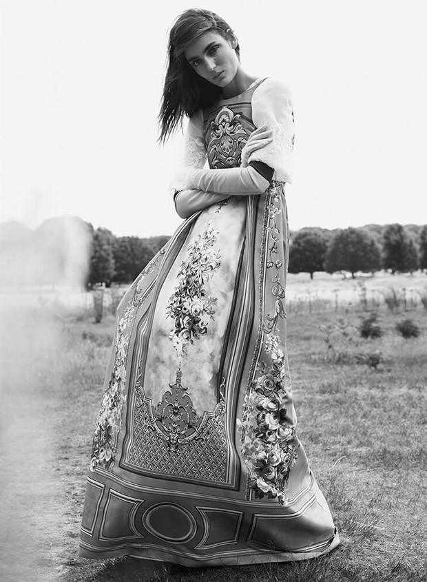 Zuzanna-Bijoch-Bazaar-UK-Regan-Cameron-03-620x845